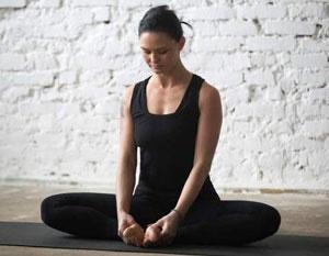 حرکات یوگا برای باز شدن قاعدگی