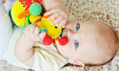 چند روز طول میکشد نوزاد دندان در بیاورد